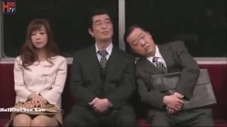 HNB hài nhật bản   Ngủ gật trên tàu điện    Hài Nhật vietsub