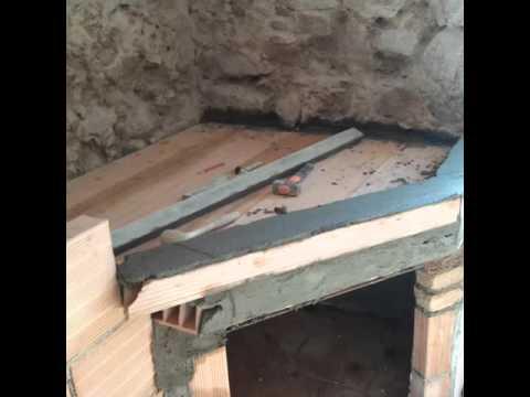 Come costruire un caminetto e un forno a legna rustico