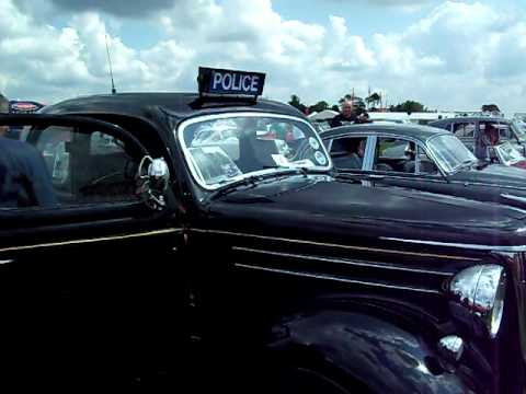 1950's Police Car and Siren (2 of 2)