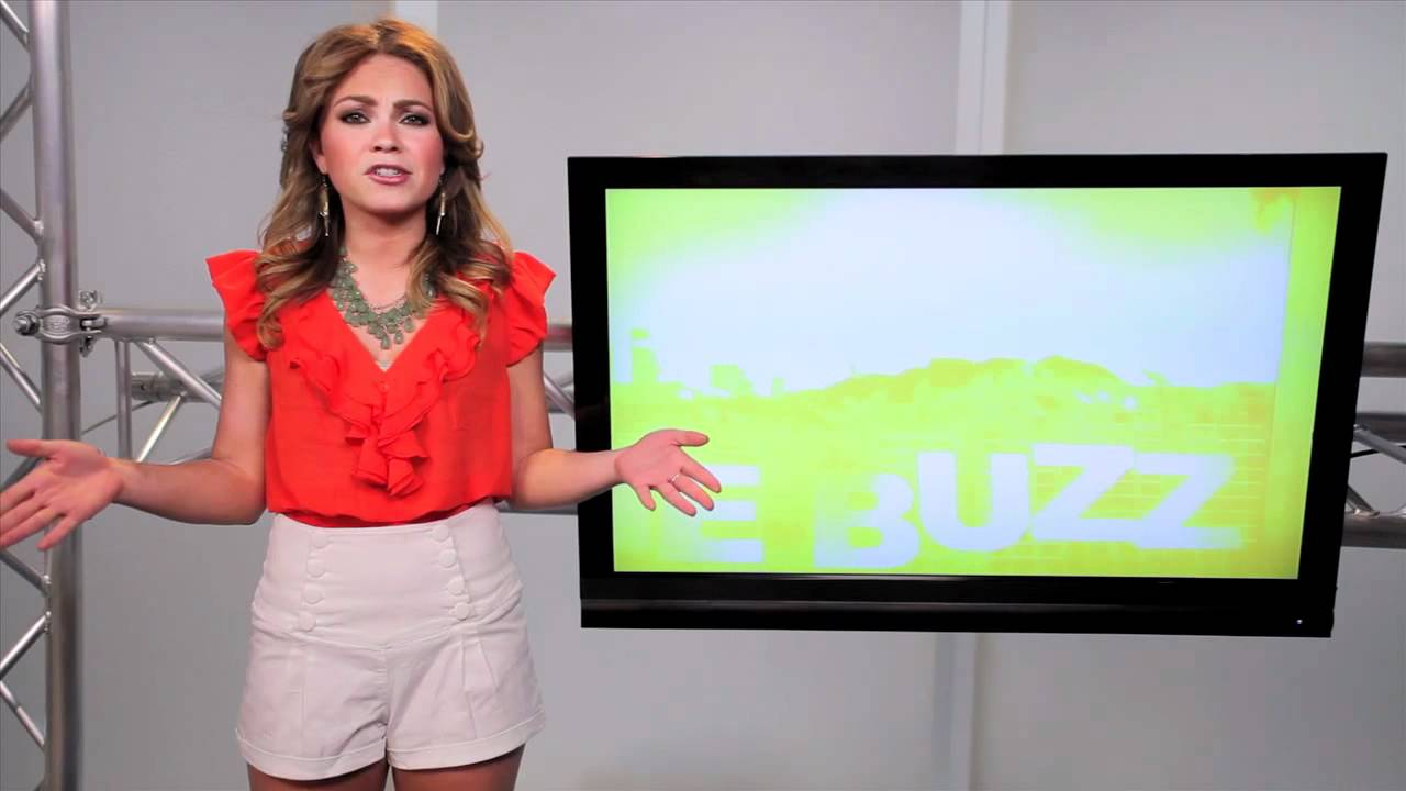 Savannah Guthrie Take S Over Ann Curry S Seat On Today Show The Buzz Youtube