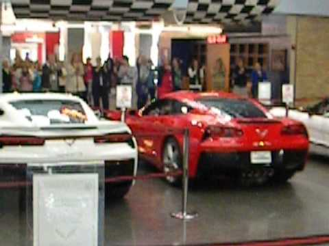 C7 Stingray Forum: Corvette Museum Delivery- Everyone Cheering Upon Departure