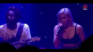 Anne-Marie - Perfect To Me LIVE  in The Qube