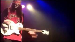 EPIC fail !!! wait, Buckethead knows how to improvise as a master...