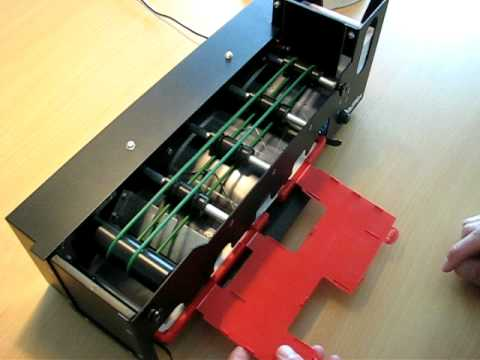 card dealer machine