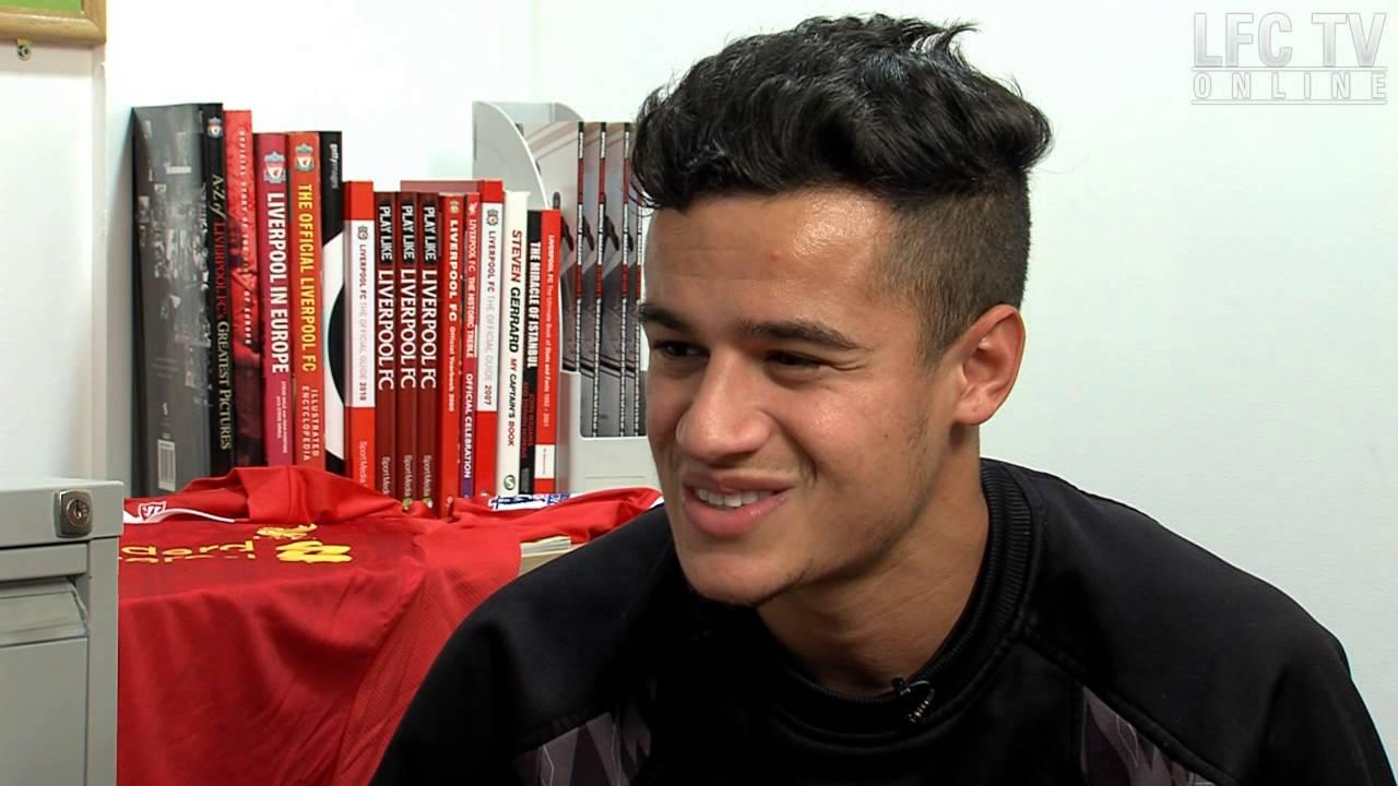 Coutinho learns clichés with Kop Kids