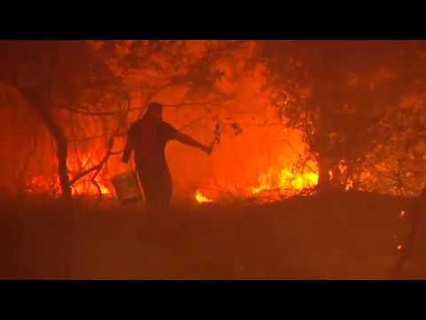 El fuego devora el centro de Vigo
