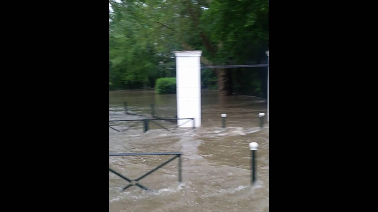 Boussy saint antoine inondation youtube for Boussy saint antoine piscine