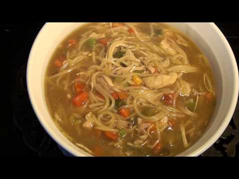CHICKEN NOODLE SOUP RECIPE IN URDU/CHICKEN NOODLE SOUP PAKISTANI  STYLE  * FARAH'S COOKING CHANNEL *