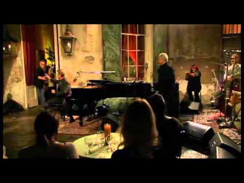 Hugh Laurie and Tom Jones - Baby Please Make a Change