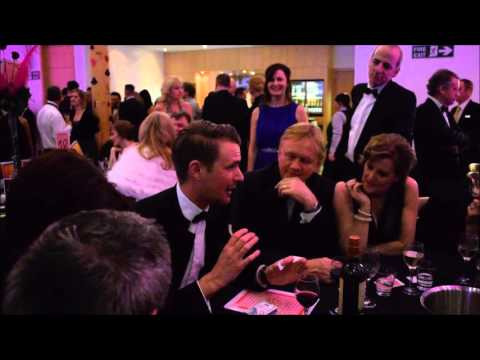 Celebrity Origami Magic trick at Las Vegas Charity Night ! Richard Jones Magician