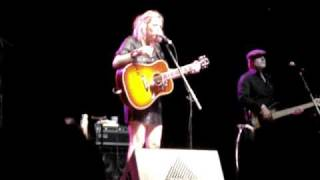 Watch Martha Wainwright New York New York New York video