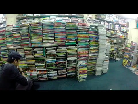 LIVING IN JAKARTA: USED BOOKS AT KWITANG | 2013