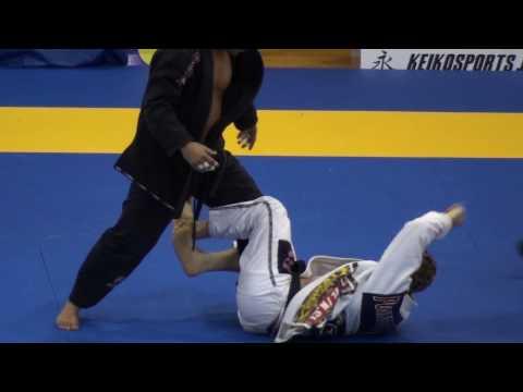 Submission #723 - Mike Fowler vs Alexandre Izidro