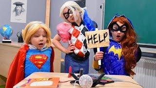 Харли Квинн ЗАХВАТИЛА ШКОЛУ! СуперГеройский ЧЕЛЛЕНДЖ в ШКОЛЕ в реальной жизни! DC Super Hero Girls