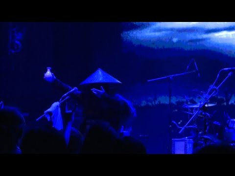 Chinese metal band digs out ancient poetry
