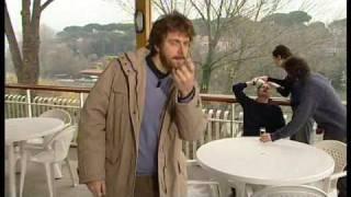 """Neri Marcorè in una imitazione di Alberto Angela da """"Tutti Pazzi pe..."""