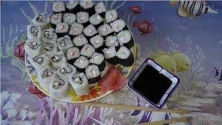Как приготовить суши в домашних условиях(Видео, показывающее как можно самому приготовить вкусные и простые роллы для угощения как семьи так и прише..., 2015-06-25T20:05:05.000Z)