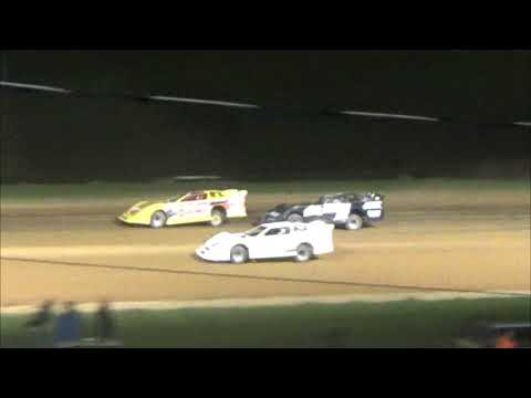 5/18/18 Clinton County Checkered flag crash with lap traffic