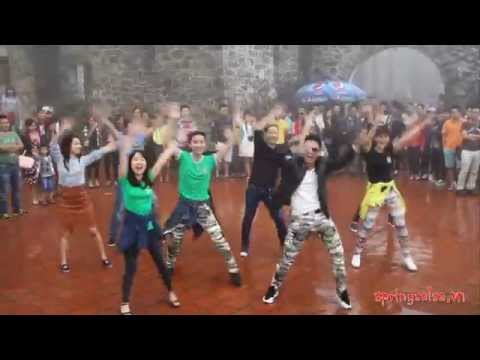Dance Flash Mob Very Funny - Song: