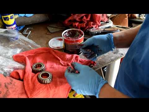 How to - Clean and Grease Trailer Bearings by Hand