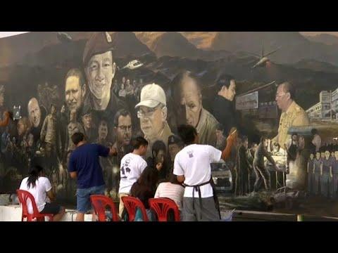 فنانون يوثقون لحظات إنقاذ -أطفال الكهف- في لوحة زيتية  - 08:21-2018 / 7 / 18