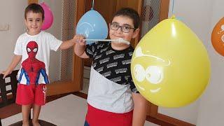 Buğra Balonları Patlattı Berat Çokomelleri Topladı. Eğlenceli Çocuk Videosu