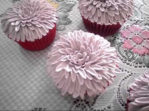 cake decorating: mY buttercream chrysanthemum!!! - YouTube