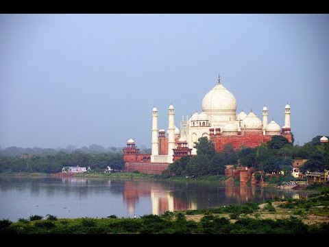 Taj mahal which city