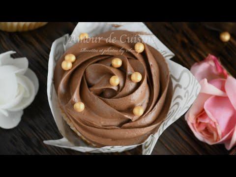 recette-de-base:-ganache-montée-au-nutella-pour-décorer-buches-macarons-et-gateaux-d'anniversaire