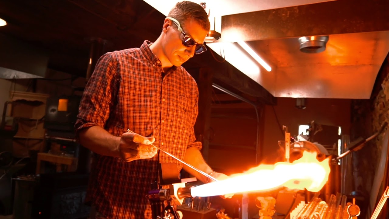 Justin Smith of IvyStone Studios Blowing Glass Christmas Ornaments | Glass Blowing Studio in PA
