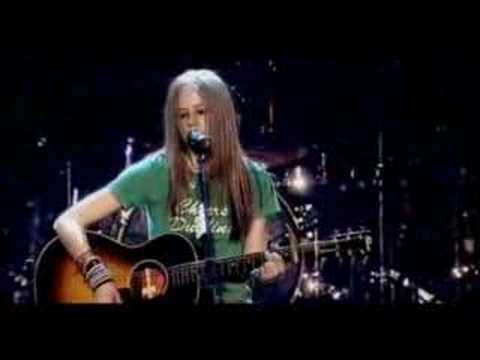 Avril Lavigne Cries on her Concert ( Tomorrow )