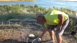 видео Рыбалка на Ахтубе. Астрахань рыболовные базы, Ахтуба отдых.