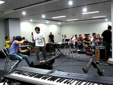 GIGI Basa Basi (rehearsal with orchestra)