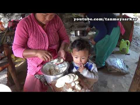Himalayan Street Foods  Authentic Homemade Momos  Local Ladies  Kalimpong, WB, India