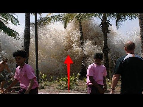 Родители думали, что их дочь погибла в цунами, но через 10 лет отец заметил на улице знакомые глаза…