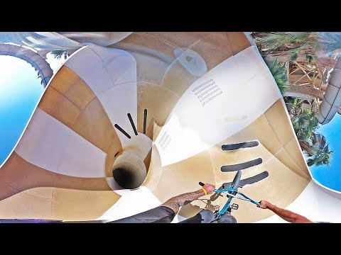 UNREAL WATERPARK BMX RIDING IN DUBAI! (360 VIDEO)