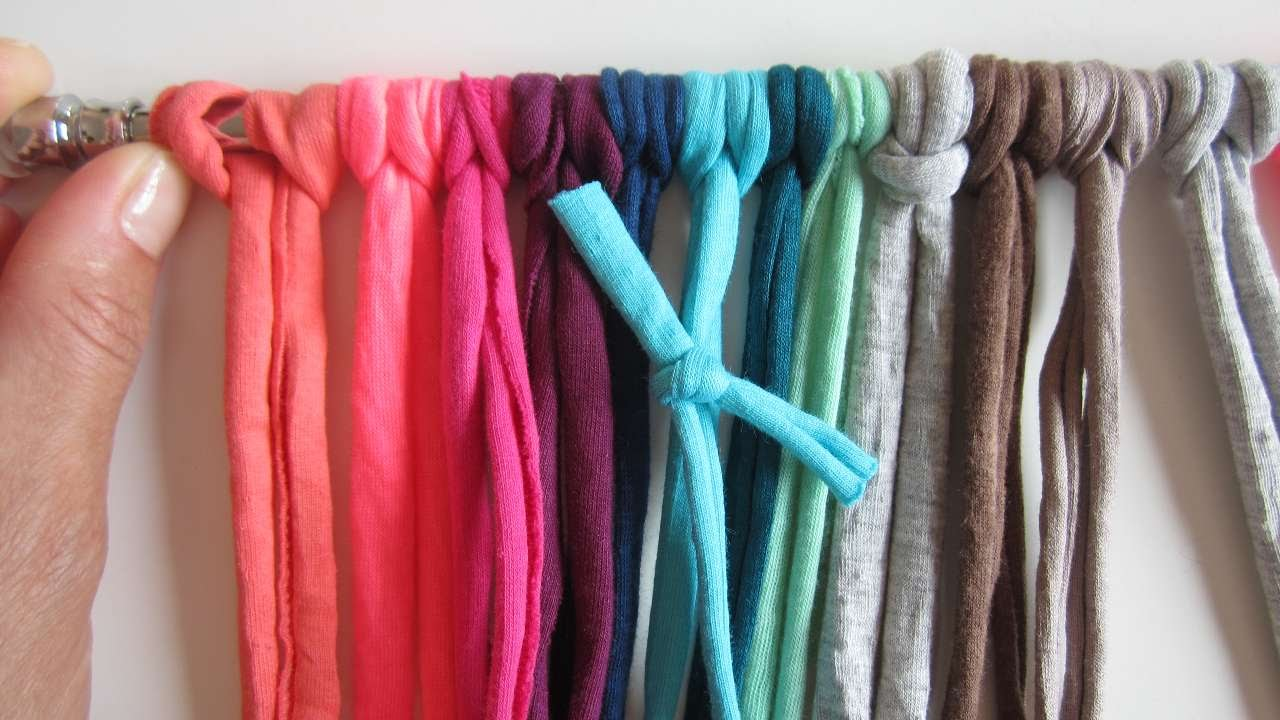 How To Upcycle Your Yarn Remains Into A Colorful Curtain