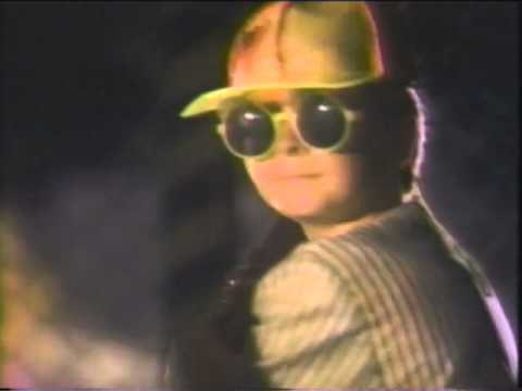 cfeff01529 1989 Pizza Hut commercial Back to the Future 2 Solar Shades - YouTube