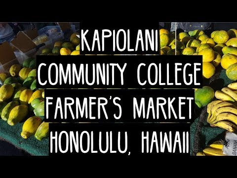 Kapiolani Farmers' Market KCC Honolulu Hawaii Pig and the Lady and much more food papaya!