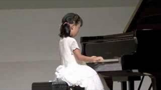 服部亜里沙が2008/08/01に北区のホクトピアで演奏した時の映像。曲はロ...