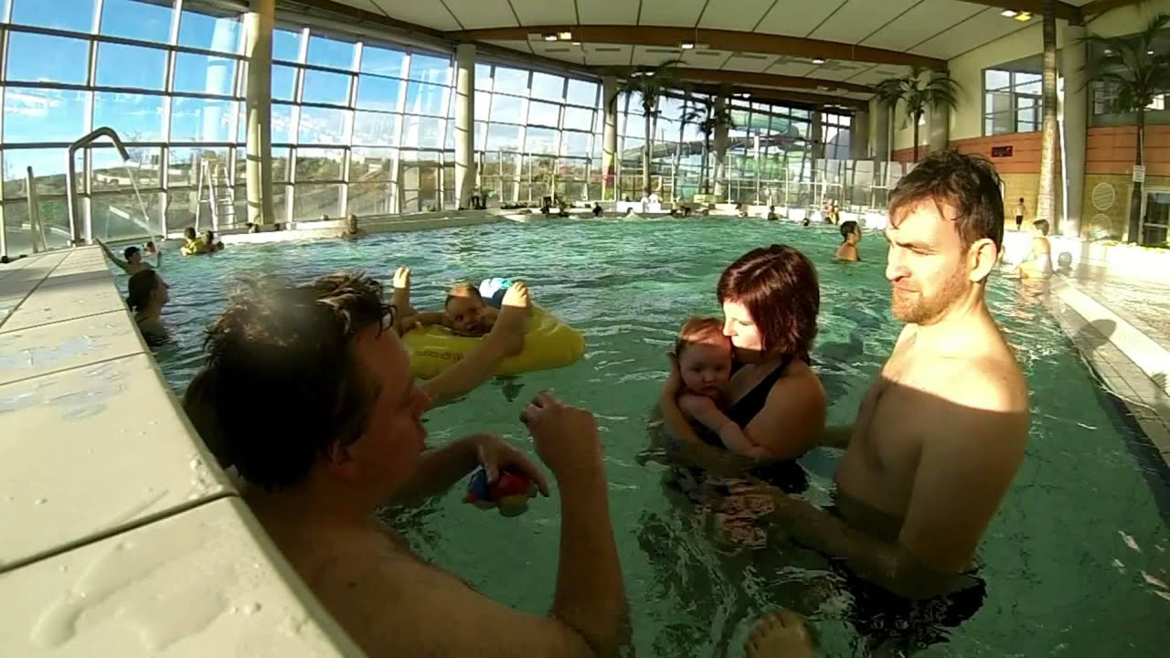 1er bain b b piscine h lic a youtube for Boulogne sur mer piscine