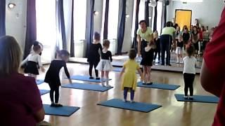 Открытые уроки по детскому эстрадному танцу