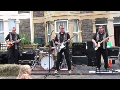 The Dukes Of Mumbai, Joe 90 Theme, Quarrington Road Street Party, Bristol 220913