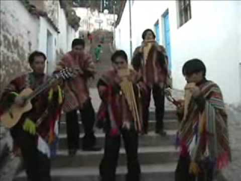 Chimu Inka Band plays Peruvian Folkore Music in Cusco - Shorter Version