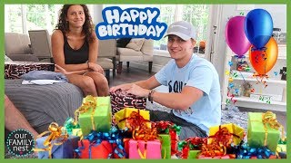 opening-my-19th-birthday-presents