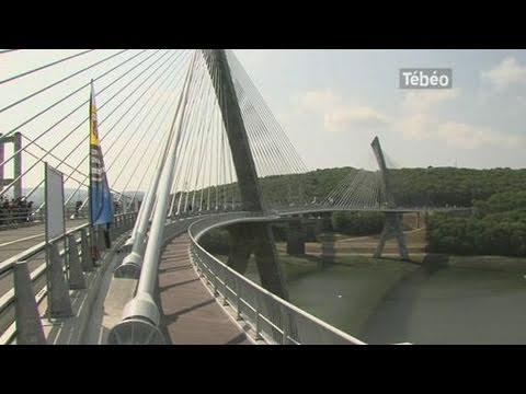 Terenez premier pont haubans courbe de france youtube - Premier pont a haubans ...