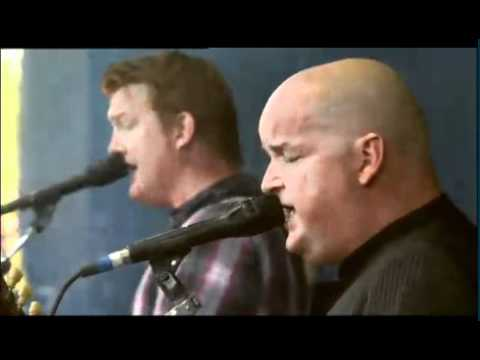 Them Crooked Vultures - Gunman (live Rock Werchter 2010)