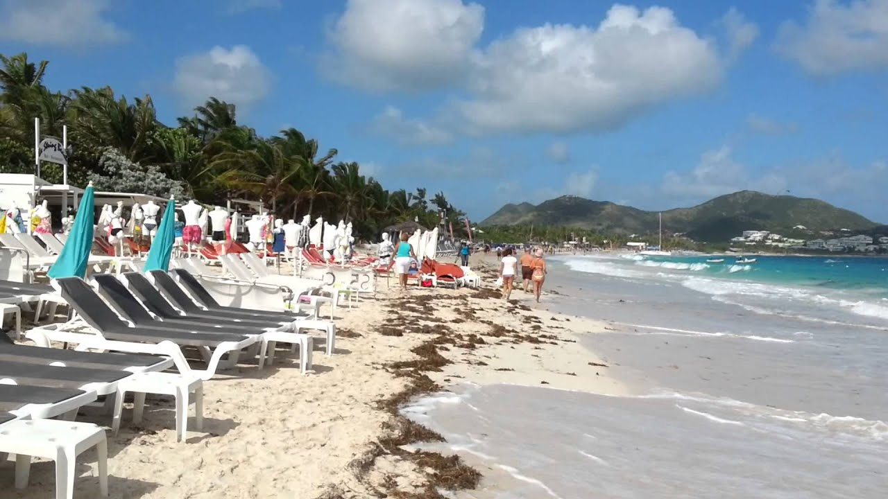 Extremely Low Planes Buzzing the Beach at St. Maarten Are