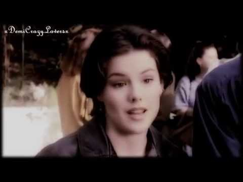 Kathleen Robertson as Clare in Beverly Hills 90210! Season 4