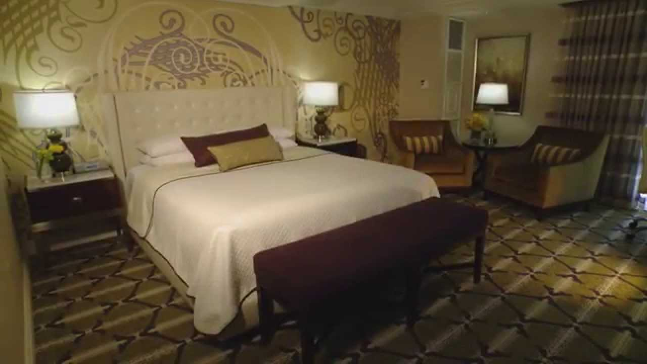 how to get free rooms in vegas